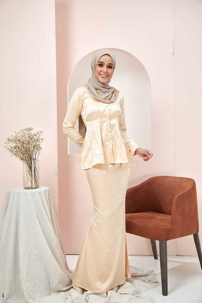 ROSSA KURUNG – CREAM (BUY 1 FREE 1)