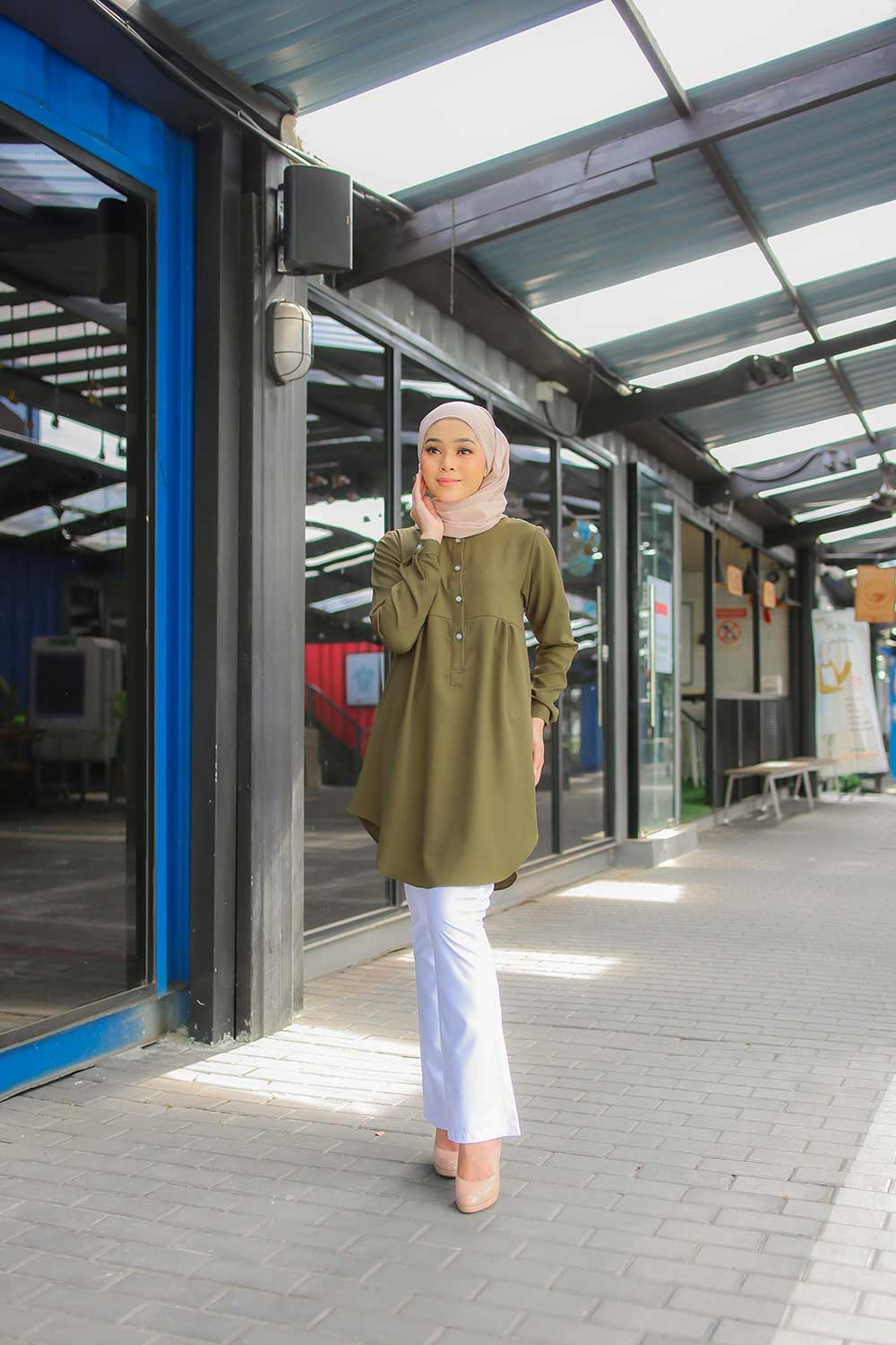 AUFA BLOUSE – MOSS GREEN