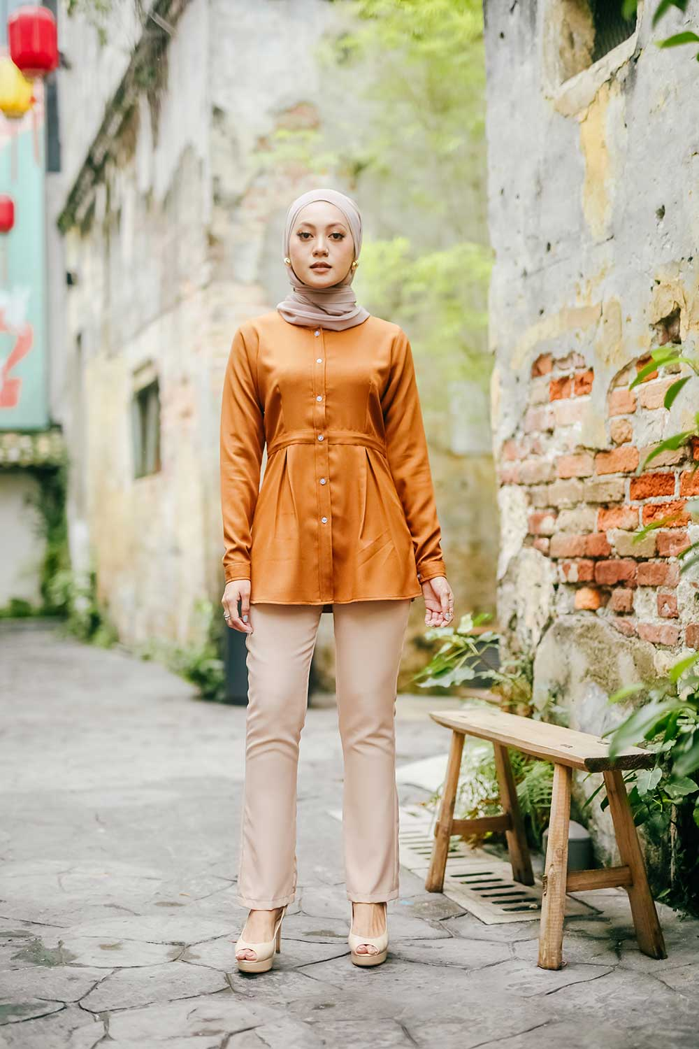 LULU BLOUSE – GOLDEN BROWN
